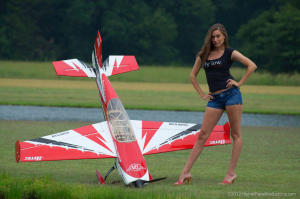 "Extreme Flight EXTRA 300 91"" 2,30mt RED"