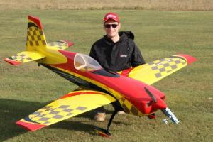 GB-Models  EXTRA 330SC 2,3m giallo/rosso