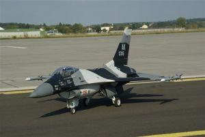 JETLEGEND F-16 1:6 ARF